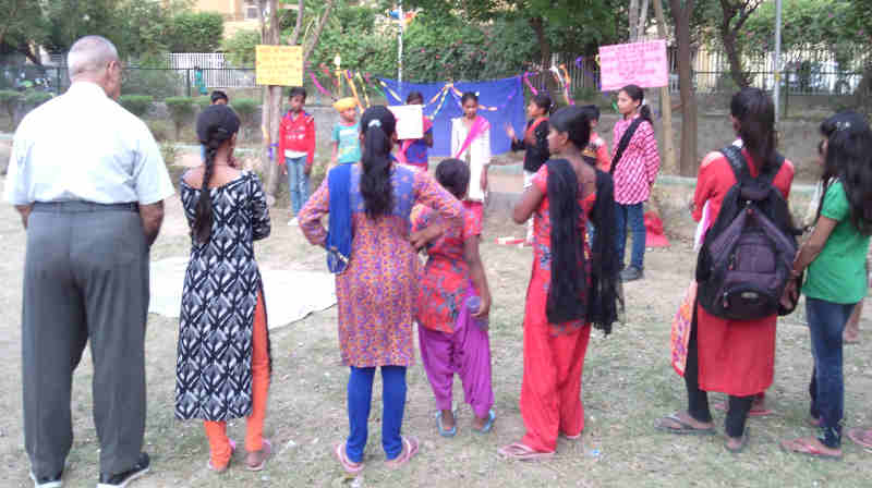 As part of its ongoing education awareness campaign in Delhi, RMN Foundation has started presenting a street play – चमेली की पढ़ाई – which highlights the problems in the current education ecosystem.